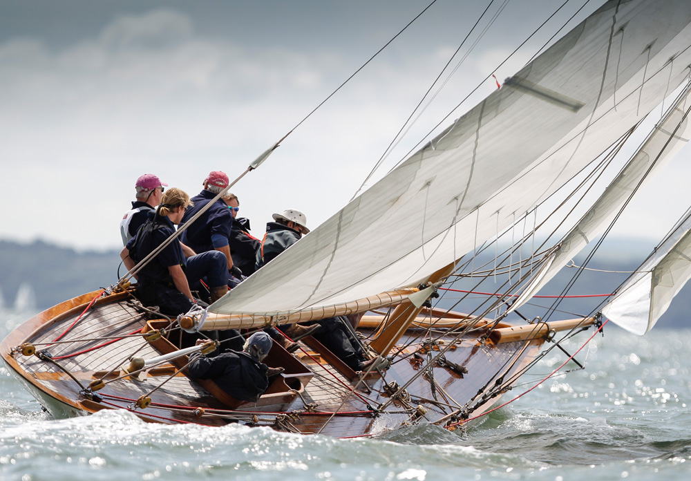 ierne under sail